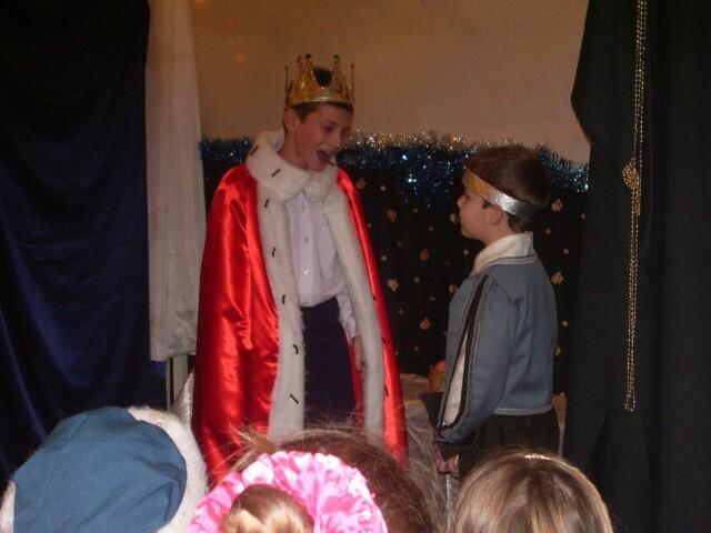 Рождественский спектакль - король и принц